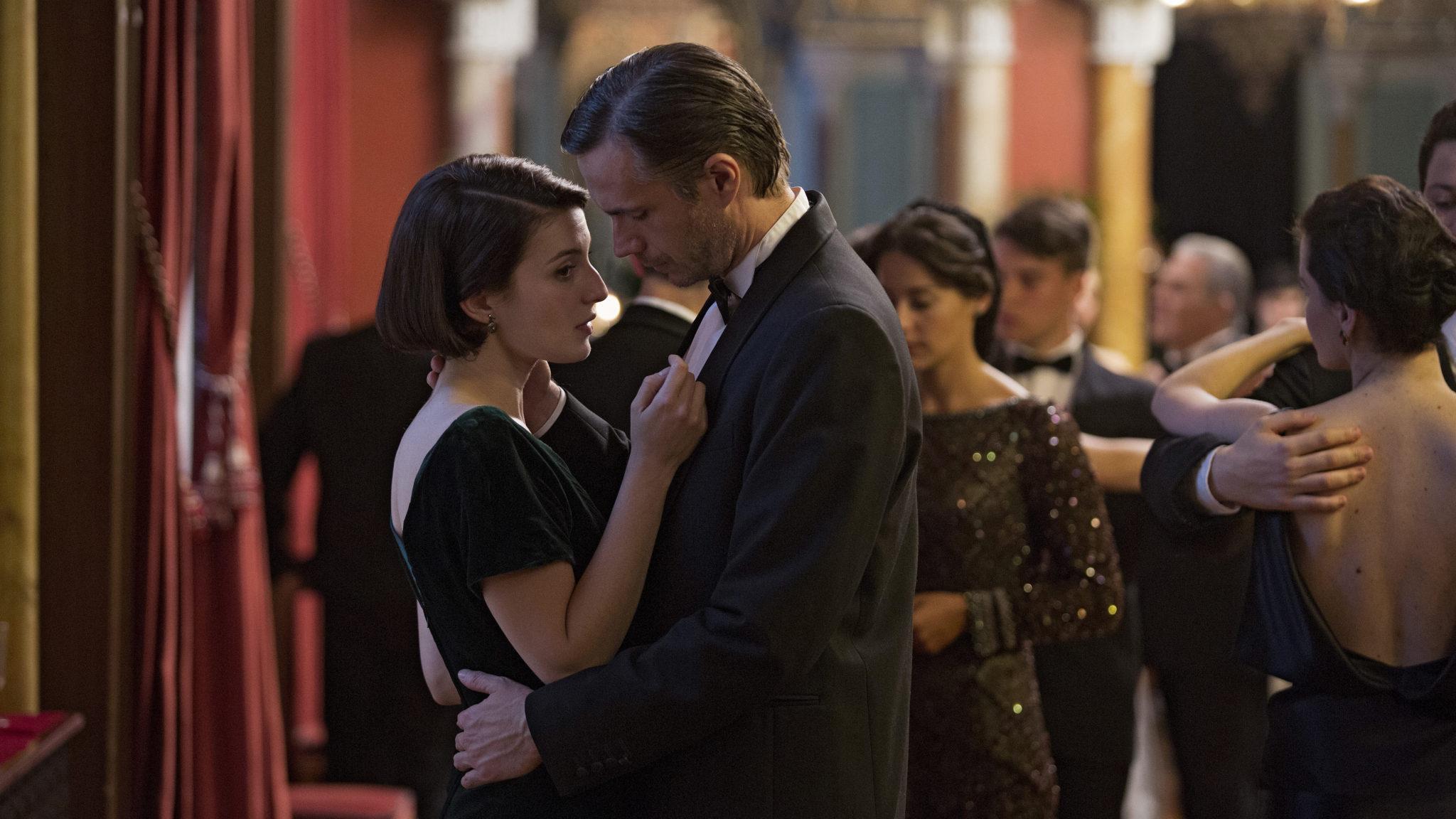 James d'Arcy y María Valverde protagonizan GERNIKA